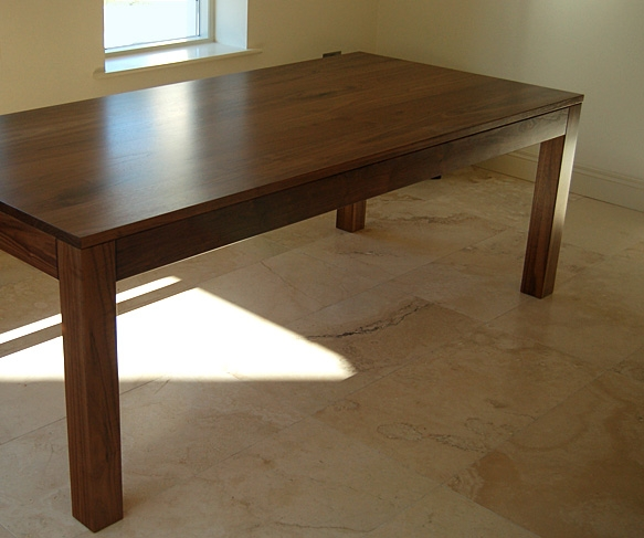 Walnut Dining Table Great Live Edge Dining Room Tables  : livingtable1 583x487 from buildhouse.biz size 583 x 487 jpeg 155kB